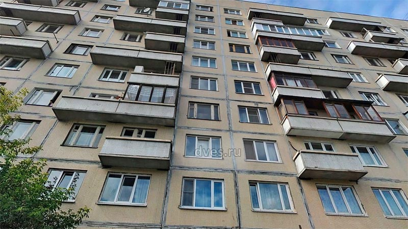 Балконы на фасаде 606 серии